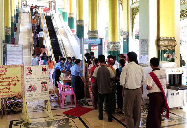 Chùa Vàng Shwedagon ở Yangoon -17
