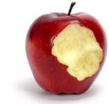 Quả táo không tròn lại còn khuyết; cuộc đời tuyệt đối lại còn bất như ý